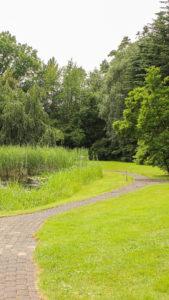 Blick-in-den-Garten-vom-Ramselhof